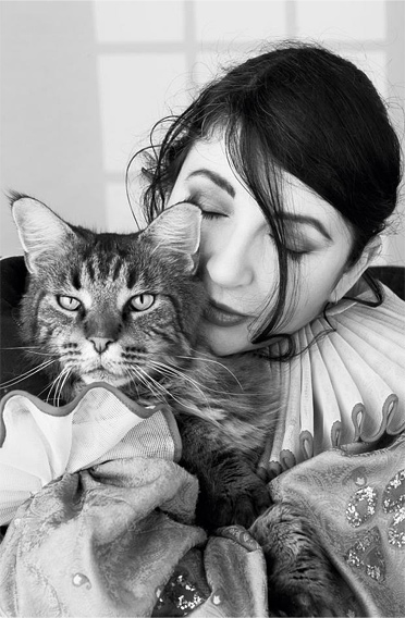 Kate Bush and a cat - album Director's cut 2011